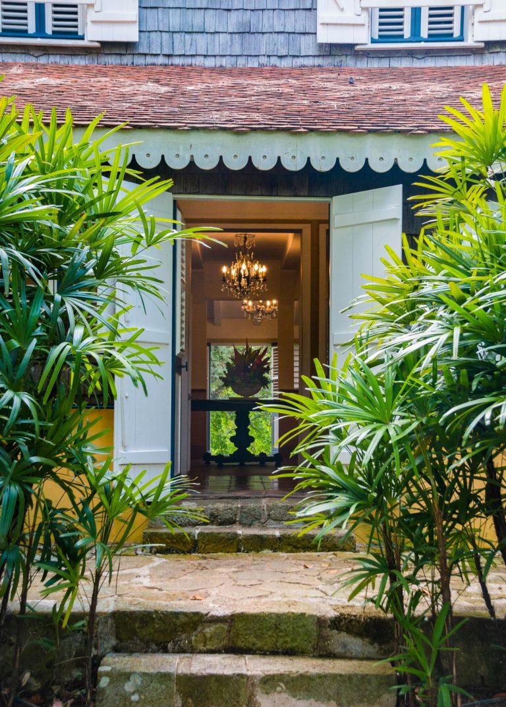 Habitation Clément : entrée de la maison de maître