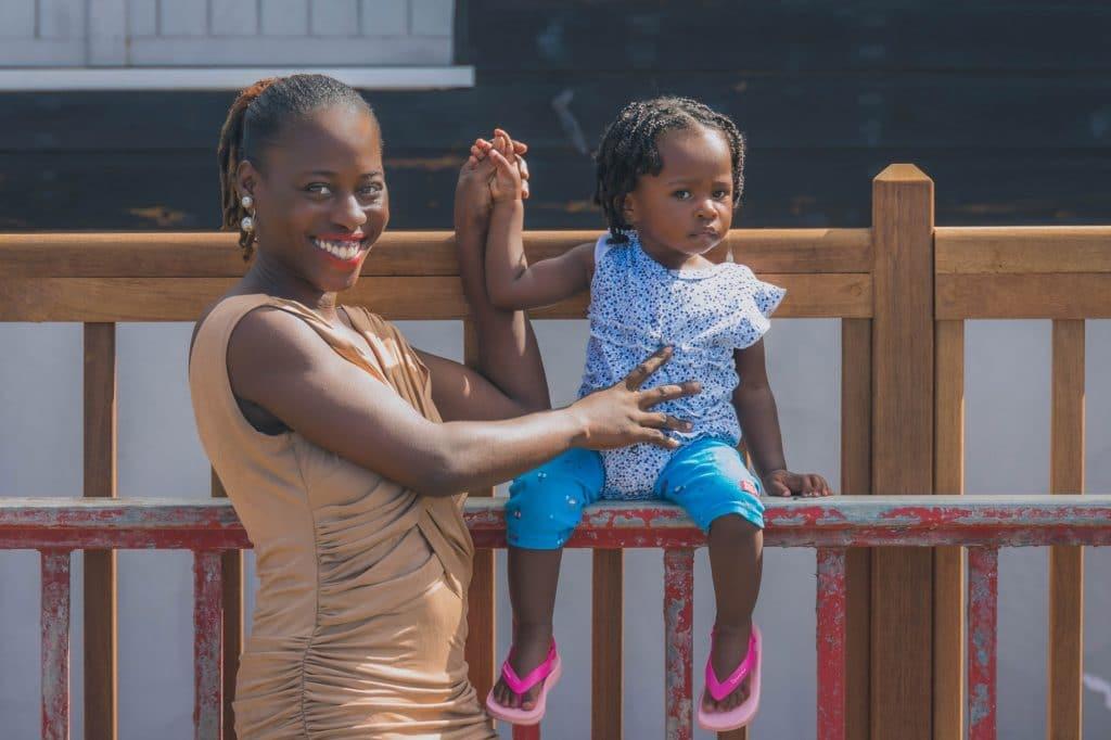 Martinique, Bellefontaine : une mère et sa petite fille