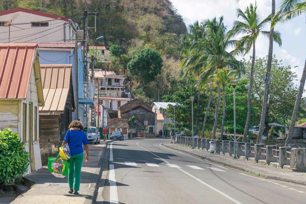 Martinique, Bellefontaine : rue principale