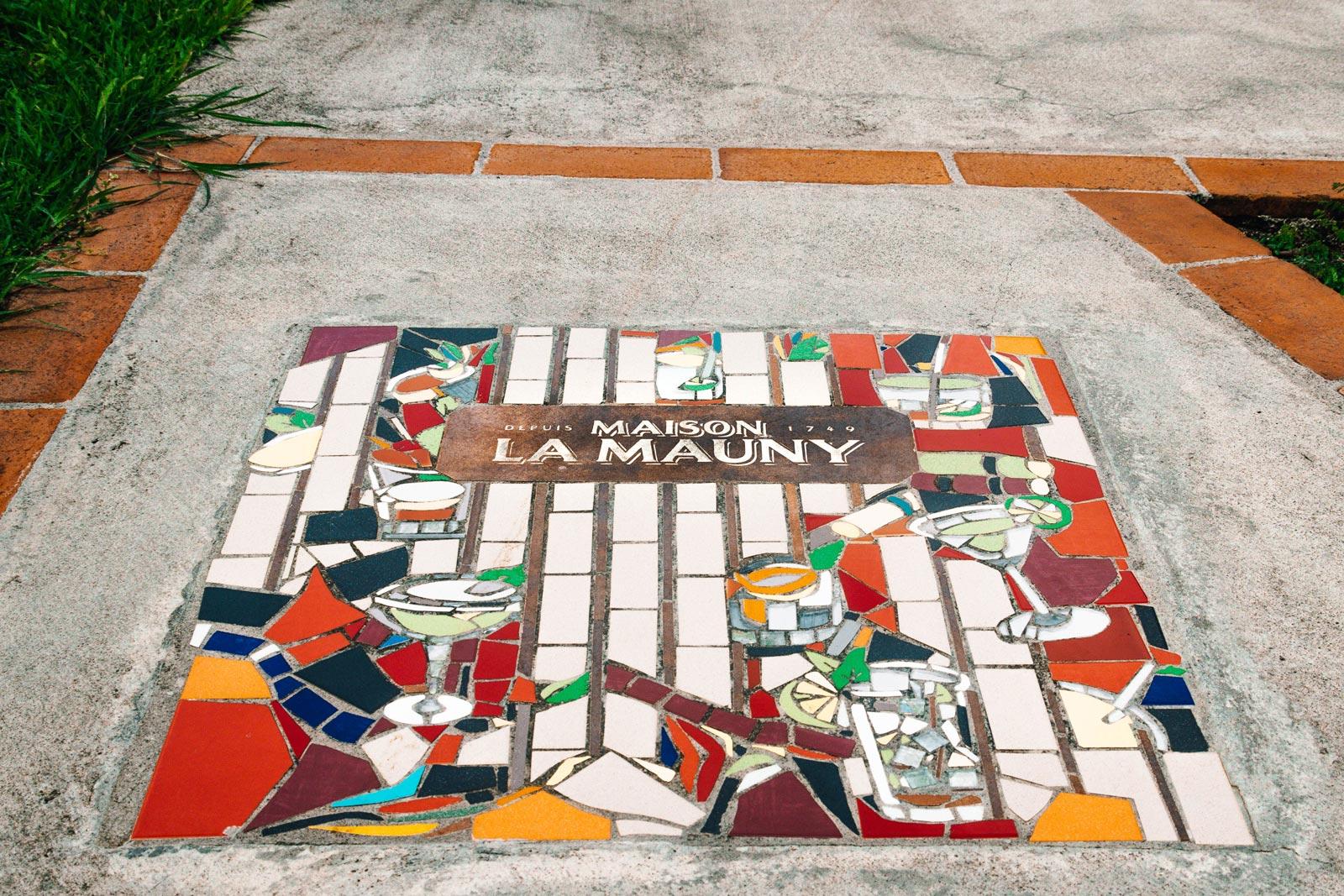 Distillerie La Mauny : mosaïque au sol